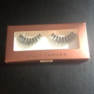 "3/$30 Lilly Lashes in the style ""Gaia"""